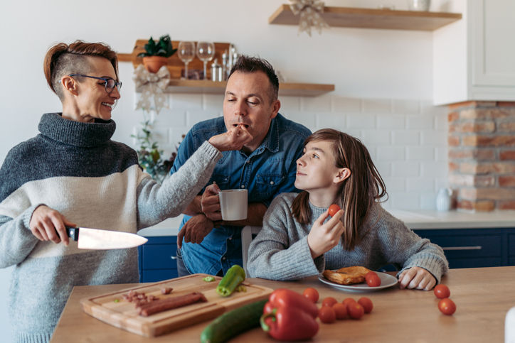 One family meal 'as important' as your 5 a day, claims obesity study thumbnail